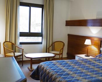 Hôtel le belleville - lamalou les bains